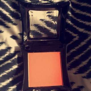 Illamasqua Powder Blusher - Excite