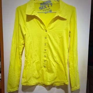 亮黃色合身上衣