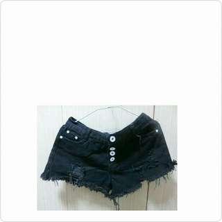 黑褲 短褲