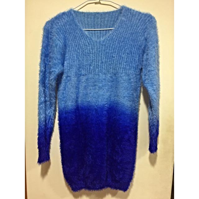 藍色漸層毛衣