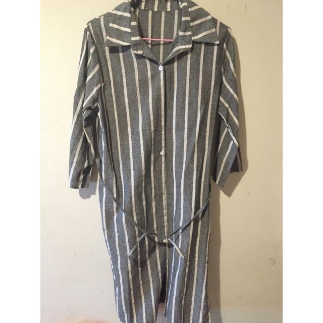 灰色條紋長版前綁帶襯衫