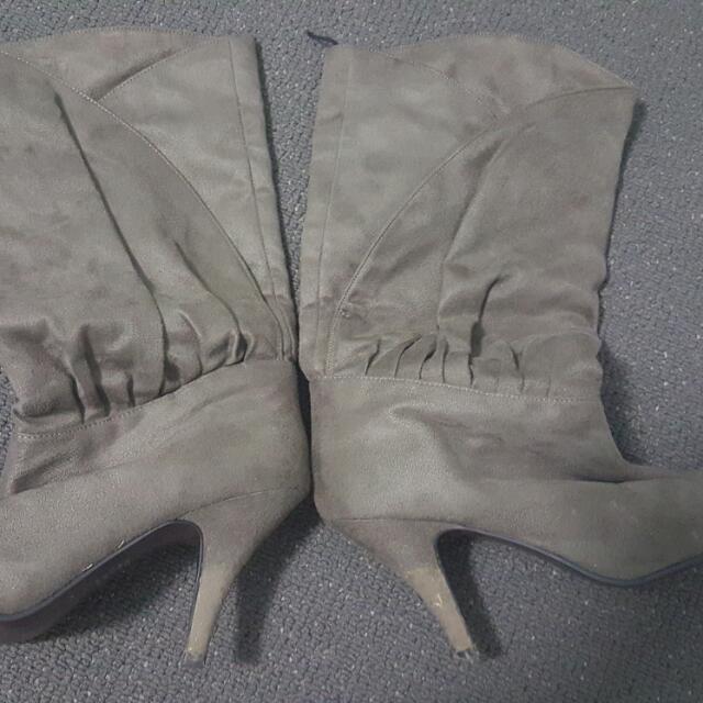 Boots Size 38 Brandnew