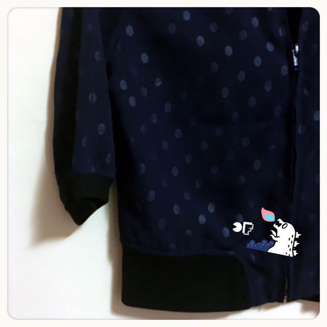 日貨🇯🇵momo自創 深藍圓點 短版雪紡拷克外套