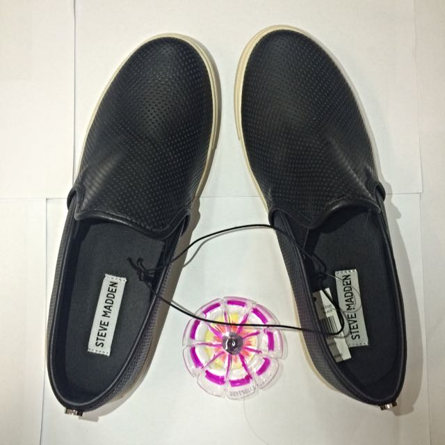 (PENDING) Steve Madden Black Leather Shoes (Size:8)
