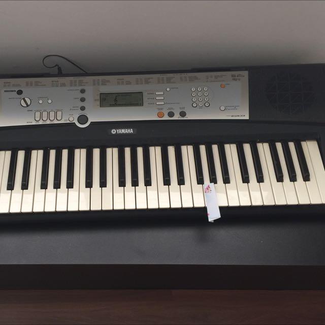 Yamaha PSR E203 Keyboard (used)