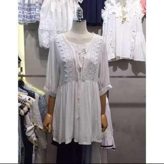 正韓~雕花馬甲綁帶五分袖上衣洋裝 (白) 現貨 特價 推薦款