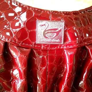 全新似鱷魚皮紋手拿,斜背包,便宜賣
