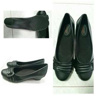 Black Heel 1.5 Inch Size US6