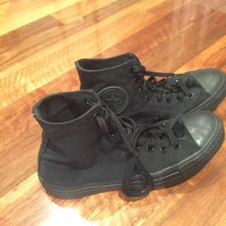 All Black High Top Converse (hardly Worn) Size: 8