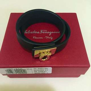 Pend 🚨AUTHENTIC Salvatore Ferragamo Leather Bracelet