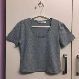 全新短版灰色上衣