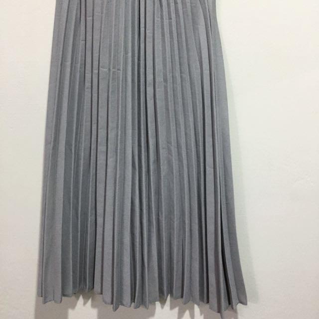 灰色百摺中長裙