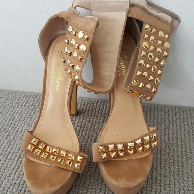 Beige Sandals With Gold Studs.