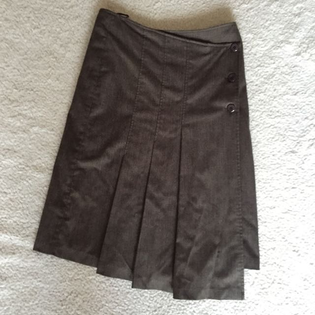 Events Pleated Brown Skirt S8