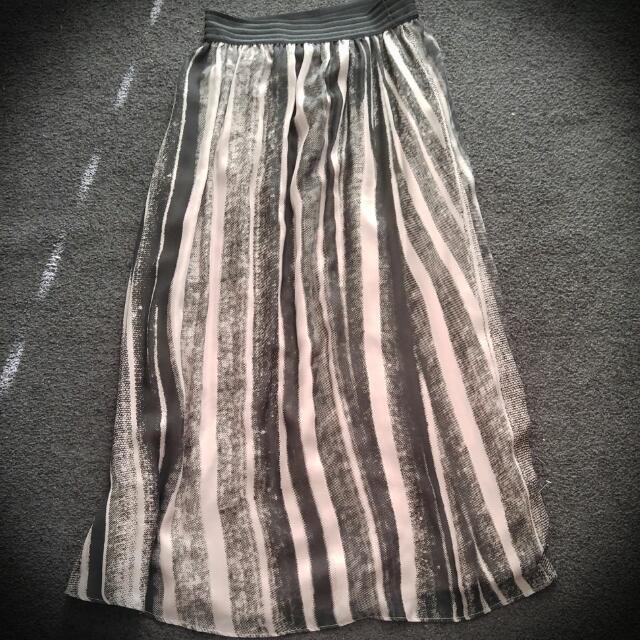 Jacqui E Maxi Skirt - Size 8