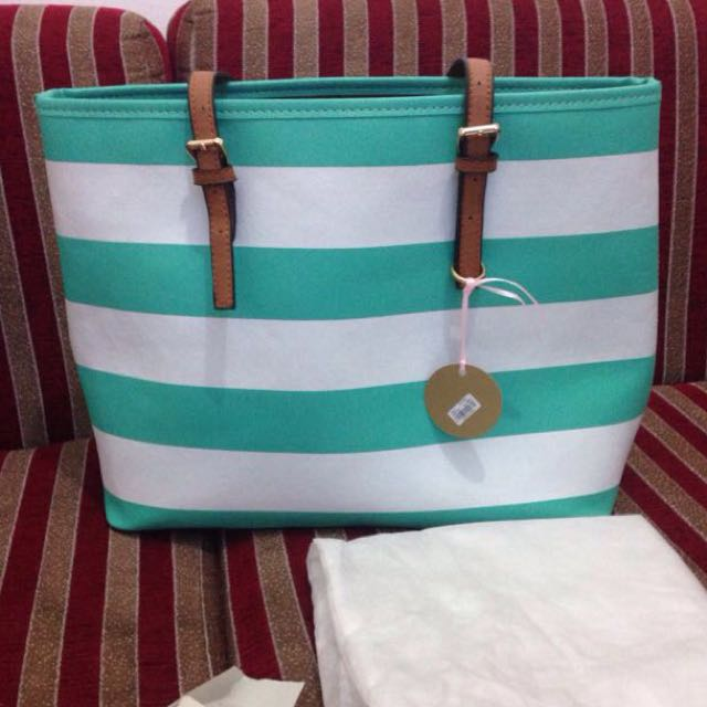Less Femmes Bag Preloved