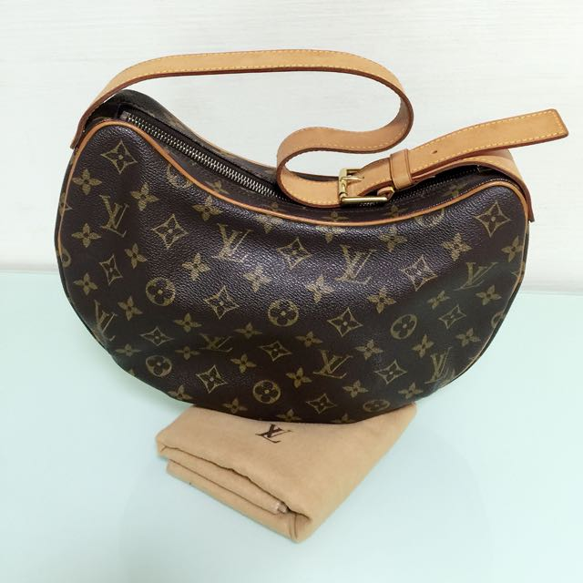 12874c4c1b6f Louis Vuitton Croissant MM in monogram (Authentic   Pre Owned ...
