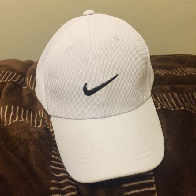 翻玩Nike老帽