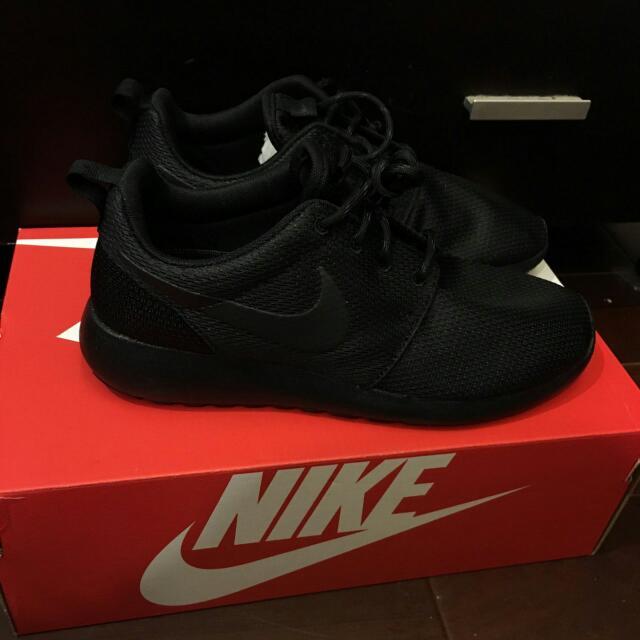 Nike Roshe One 全黑(24.5cm)