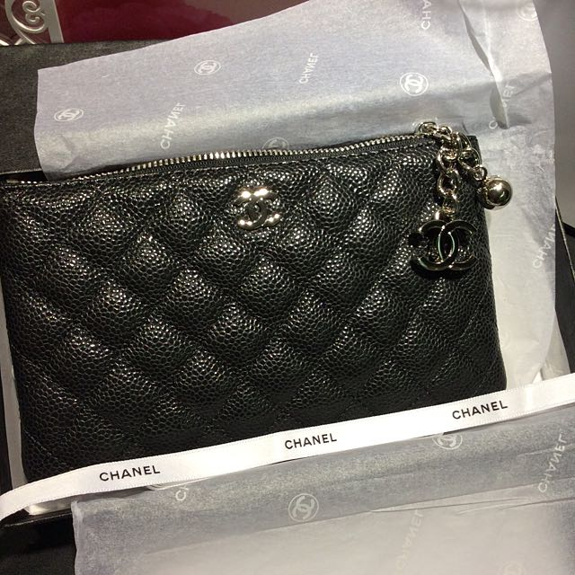 Ready Stock ! (Silver ) 2016 Chanel Vanity VIP gift Caviar Coin ... 5114f20b1f4d4