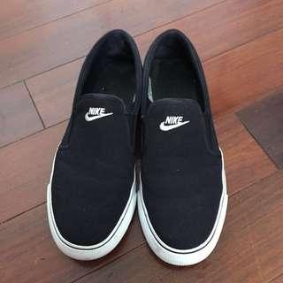 Nike懶人鞋 Nike 黑白 二手