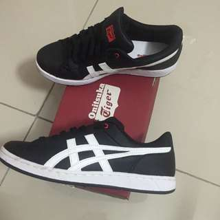 Onitsuka Tiger Larally
