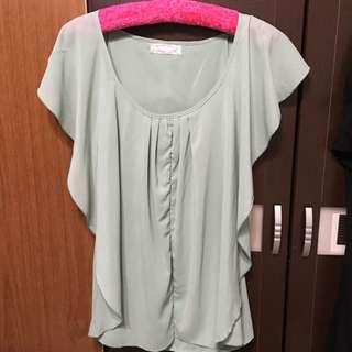 粉綠色雪紡上衣