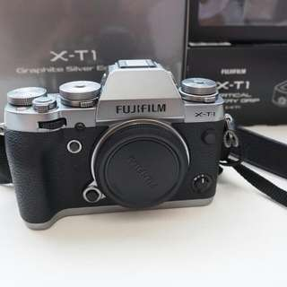 Fujifilm X-T1 Silver Version