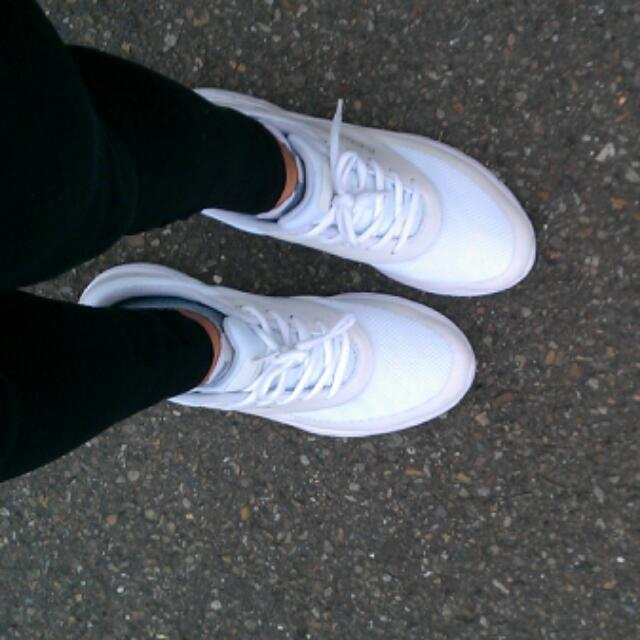 Champion 白色運動鞋