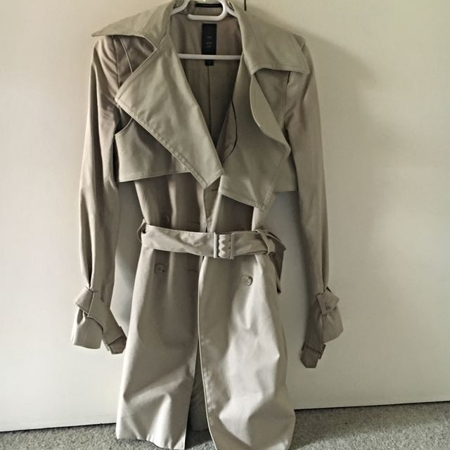 DION LEE for Cue Beige Tan Trench Coat