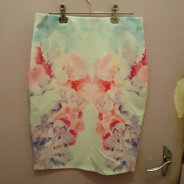 Floral MIDI Skirt. MEDIUM.