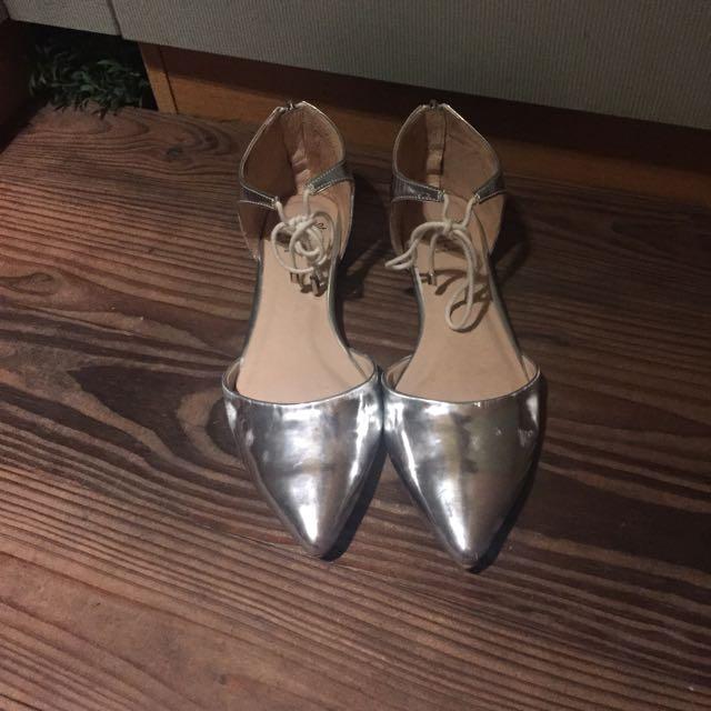 (含運)Grace gift 尖頭綁帶平底鞋23.5