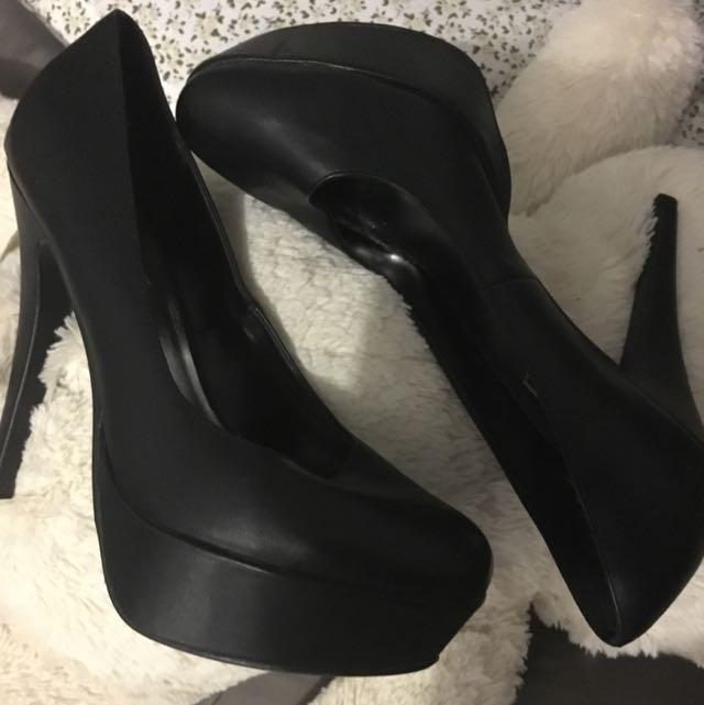 Isabella Brown Black Heels