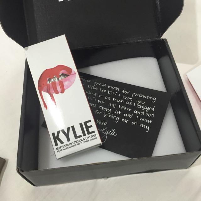 Kylie Cosmetics Matte Liquid Lipstick & Lip Liner 22