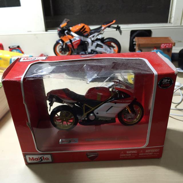 Maisto Ducati1098 1:18小公仔