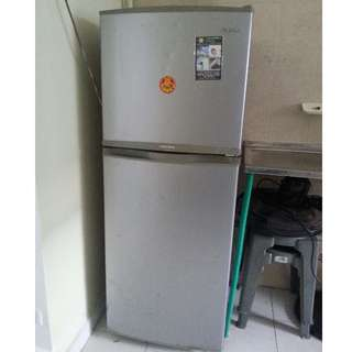 2 door fridge