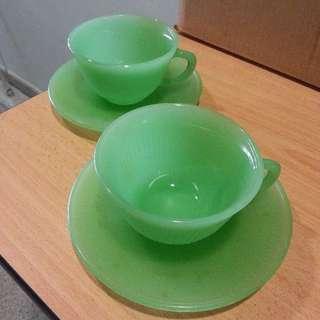 2 sets of tea cups