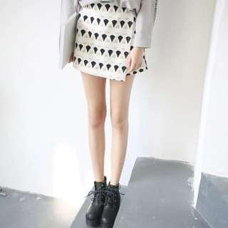 假兩件不規則褲裙 兩個顏色
