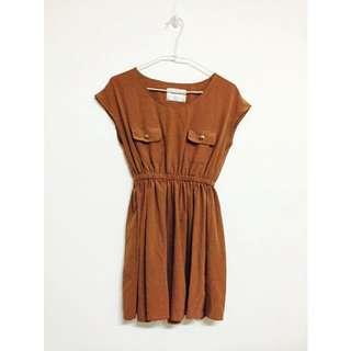 褐色小洋裝