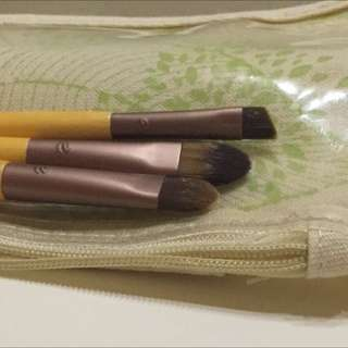 3 Eco Tool Brushes And Bag/pouch New $10