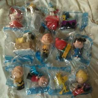 Complete Snoopy And Charlie Brown Toys Set From McDonald's.