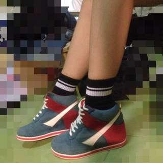 原價1300 藍 內增高 運動型款 鞋