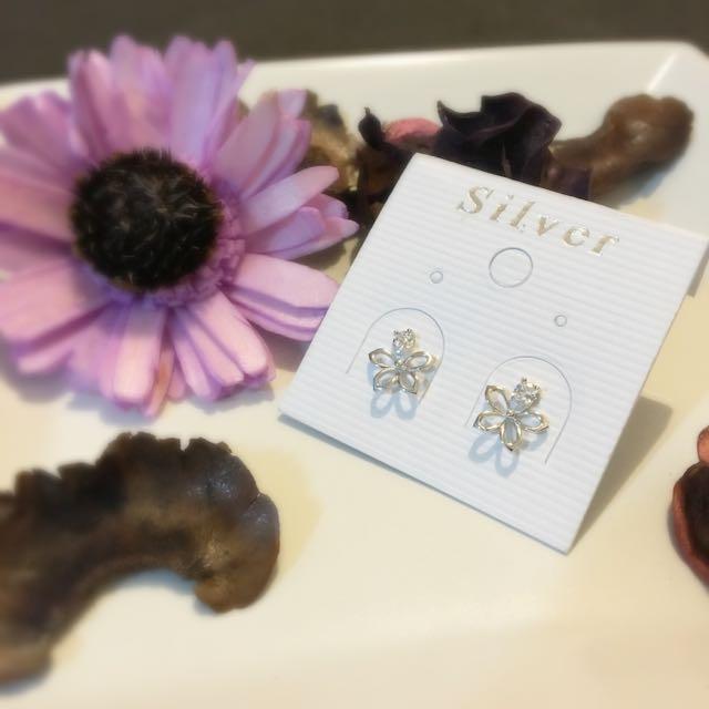 全新🌸花兒耳環