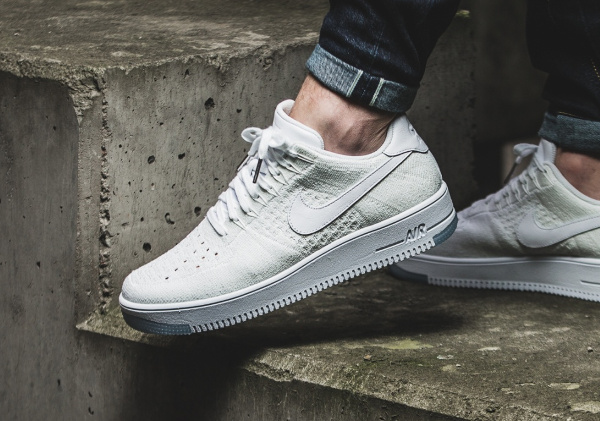nike air force 1 flyknit low blanc