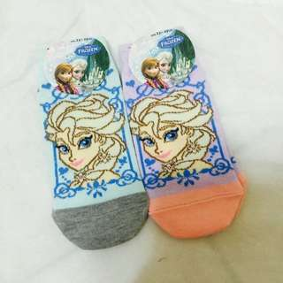 日本限定🇯🇵艾莎襪襪兩雙