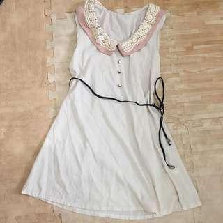 藕色蕾絲連身裙(附綁帶)