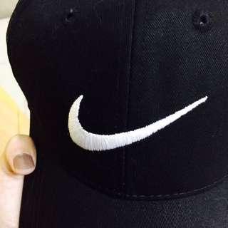 勾勾刺繡棒球帽