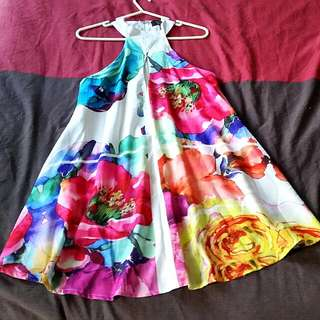 Brand New size XS Gorgeous Floral Dress