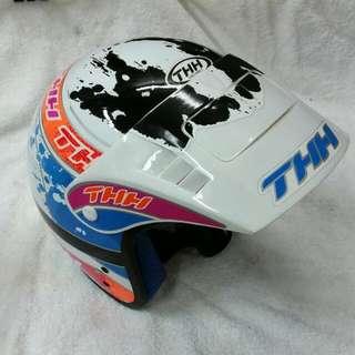 THH Helmet (Model T-380 A)