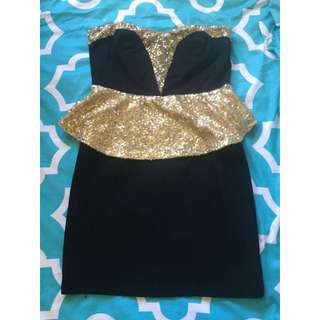 Size M Gold Black Dress